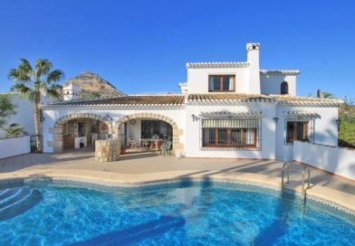 Traditional 4 Bedrooms Villa en Montgo Valls, Javea